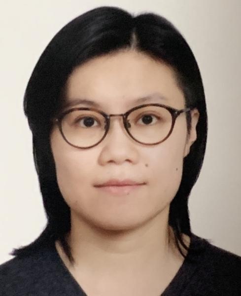 """<font size=""""3"""">Dr. Sit Ho Yi, Holly </font size=""""3"""">"""